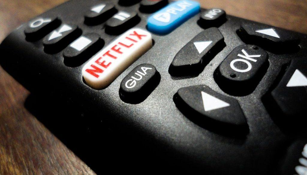 télécommande avec accès à Netflix